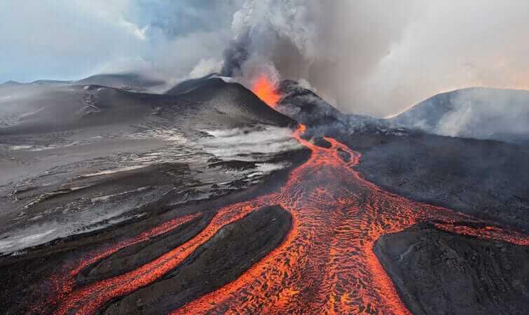 سومین فوران آتشفشانی بزرگ در تاریخ زمین