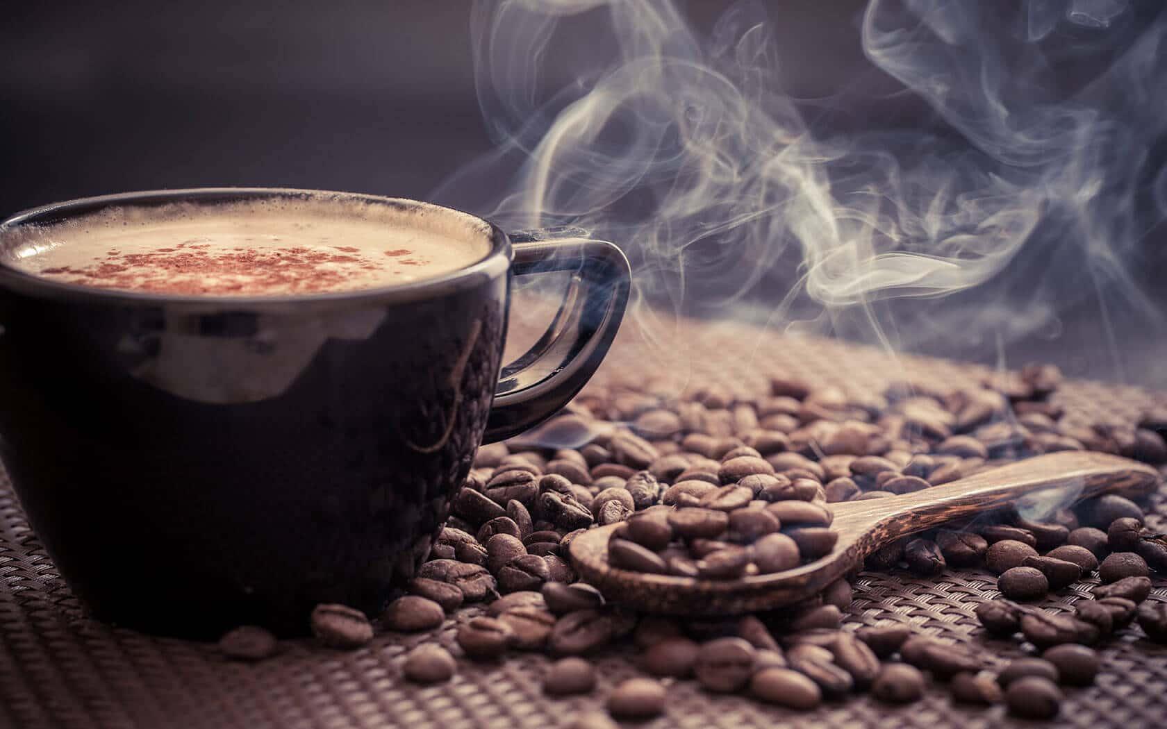 نوشیدن روزانه سه تا چهار فنجان قهوه باعث افزایش طول عمر می شود