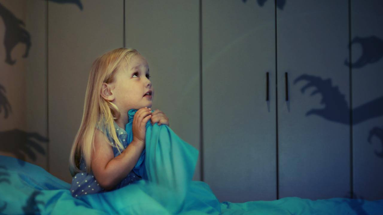 چگونه با ترس های کودکان روبه رو شویم؟