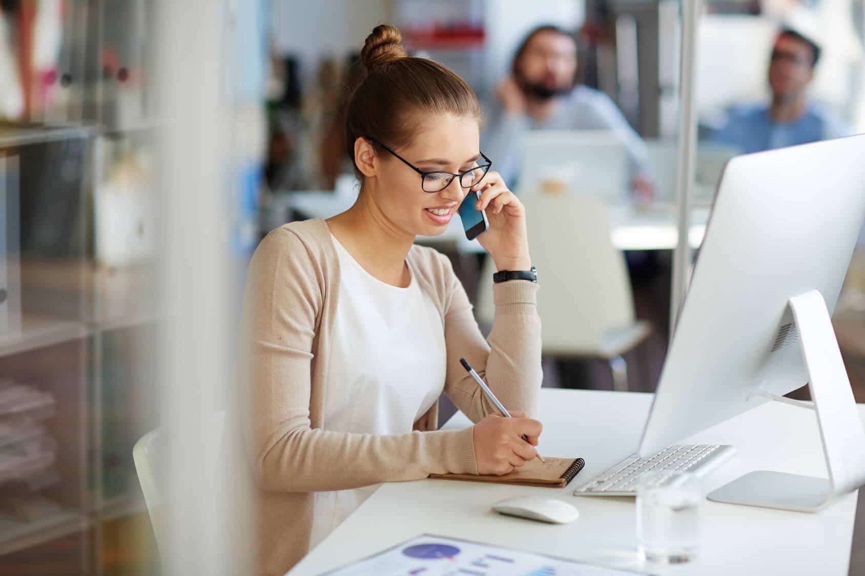 آیا میدانید مدیریت و پشتیبانی مشتریان چه تاثیر شگفت انگیزی روی افزایش فروش دارد؟