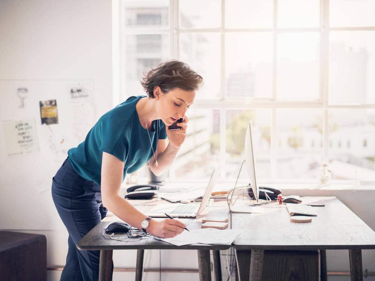 آیا می دانید مدیریت و پشتیبانی مشتریان چه تاثیر شگفت انگیزی روی افزایش فروش دارد؟