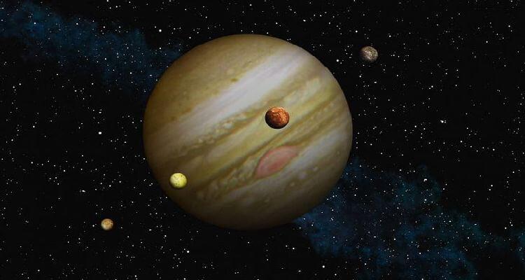 4 تا از بزرگترین قمرهای مشتری که بوسیله گالیله کشف شدند.