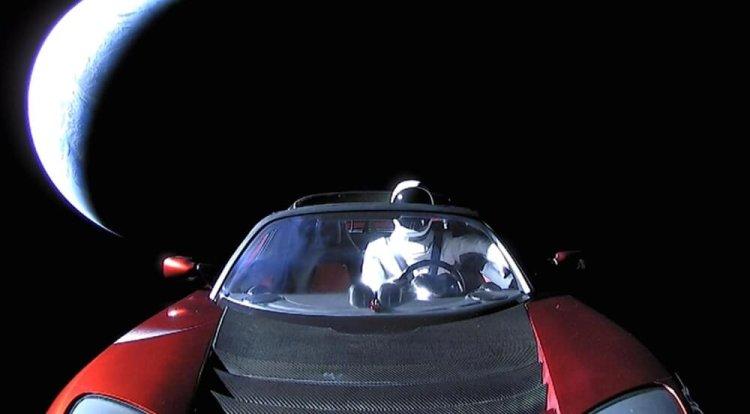 برسی ماشین فضایی ماسک