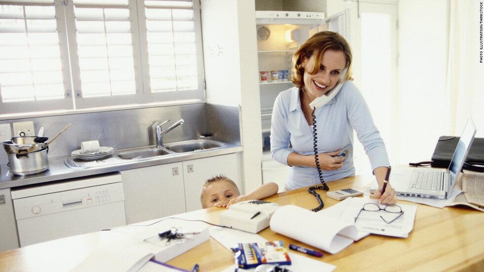 ۱۰ ترفند عالی برای حفظ تمرکز بر کسب و کار وقتی در خانه کار میکنید