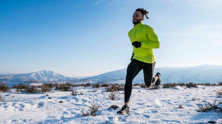 Adventure: Chris Motley trail running in Yakima Canyon in winter, Central Cascades, Washington