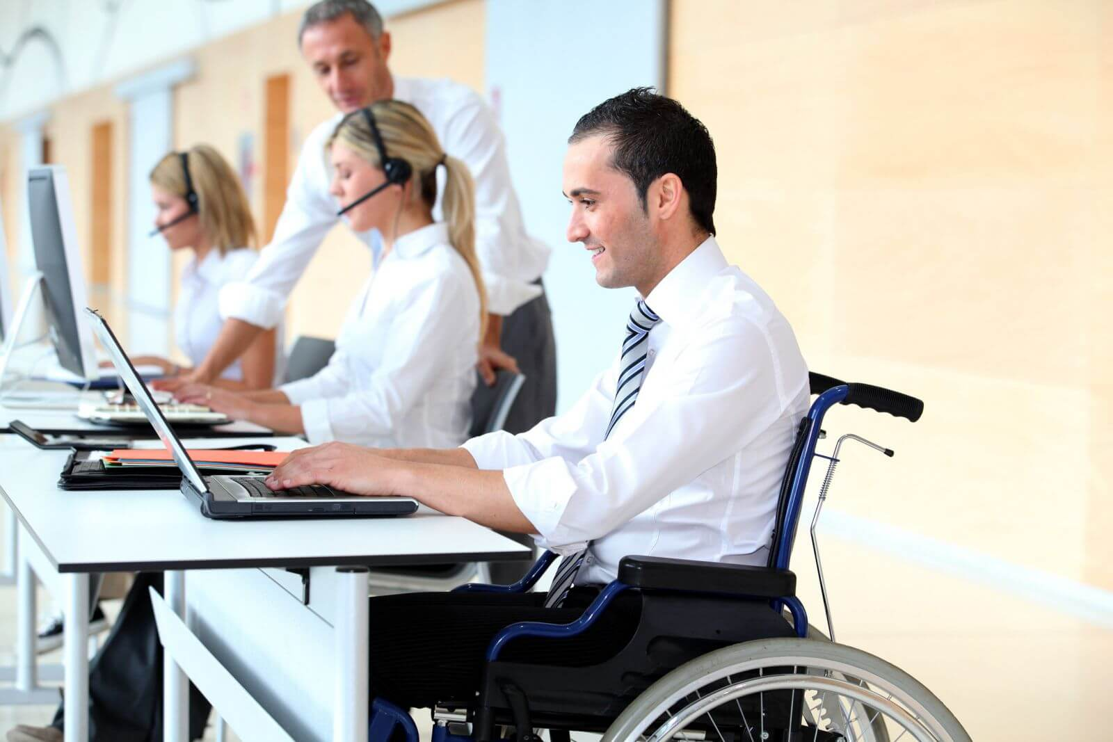 استخدام افراد با استعداد معلول و رشد بسیار سریع کسب و کار