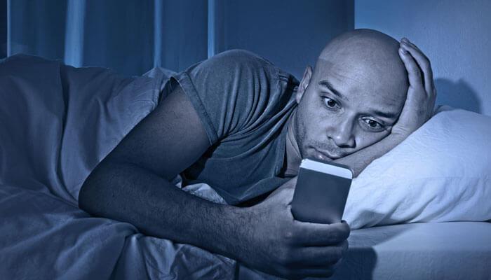 ۵. همه نمایشگرها را ۳۰ دقیقه قبل از خواب خاموش کنید!