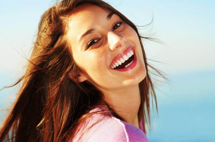 ببینید که خندیدن چگونه زندگی ما را متحول میکند