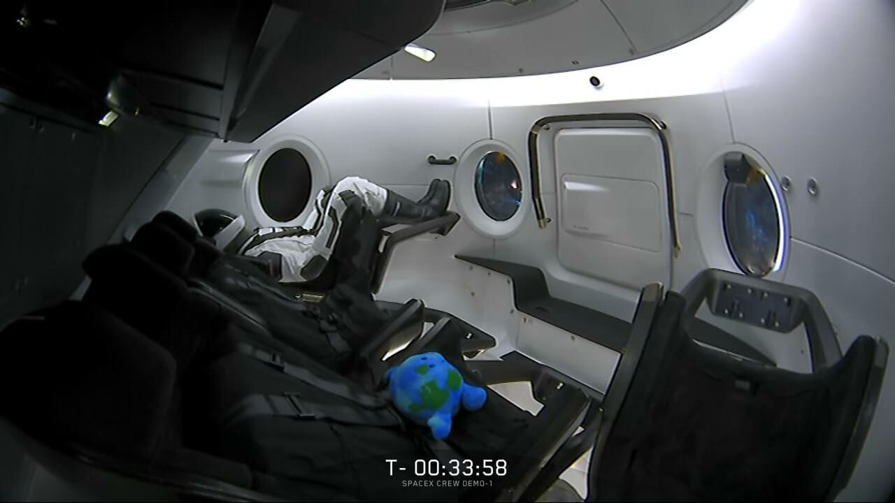 آدمک آزمایشی فضا پیما