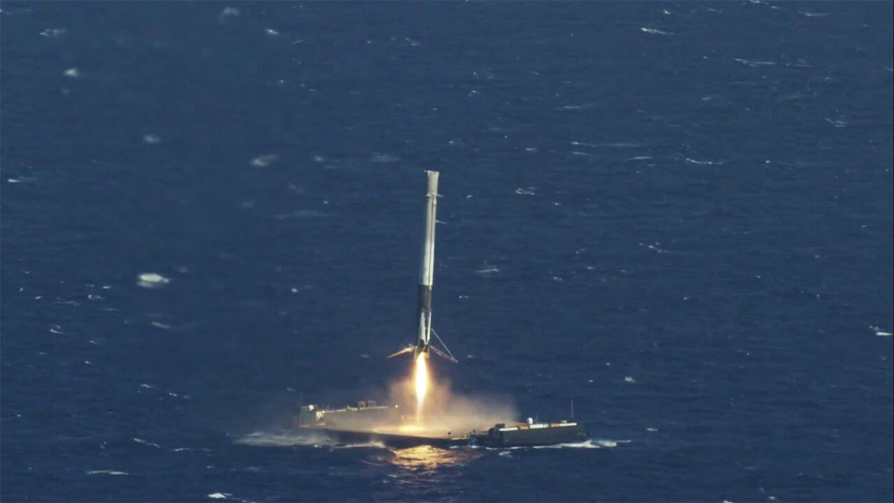 فرود مرحله اول راکت فالکن 9