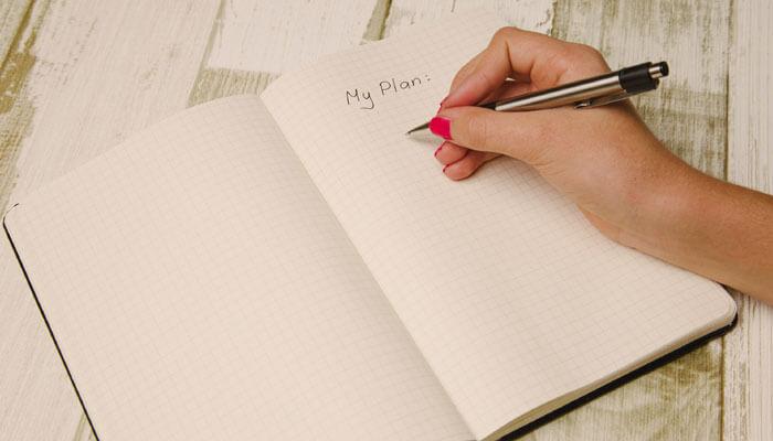 ۳. اهداف مالی خود را بنویسید!