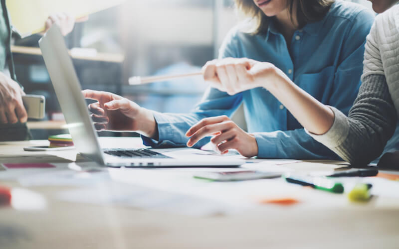 مدیران موفق برای پیشرفت کسب و کار و کارکنان خود چه کار میکنند؟