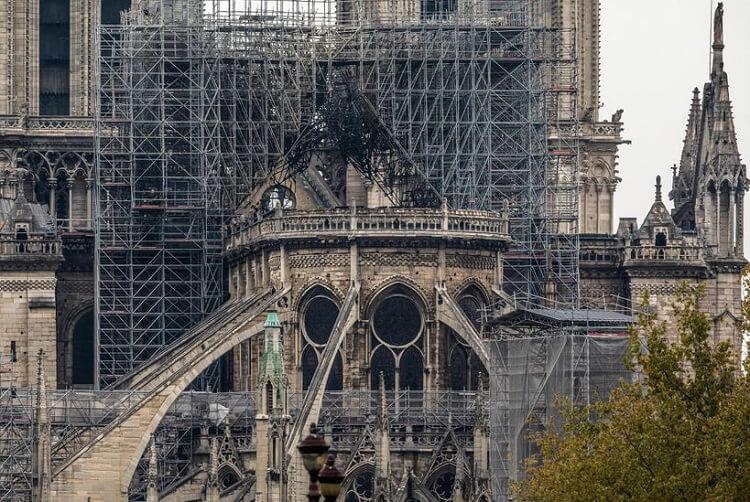 نمای تخریب شده کلیسا
