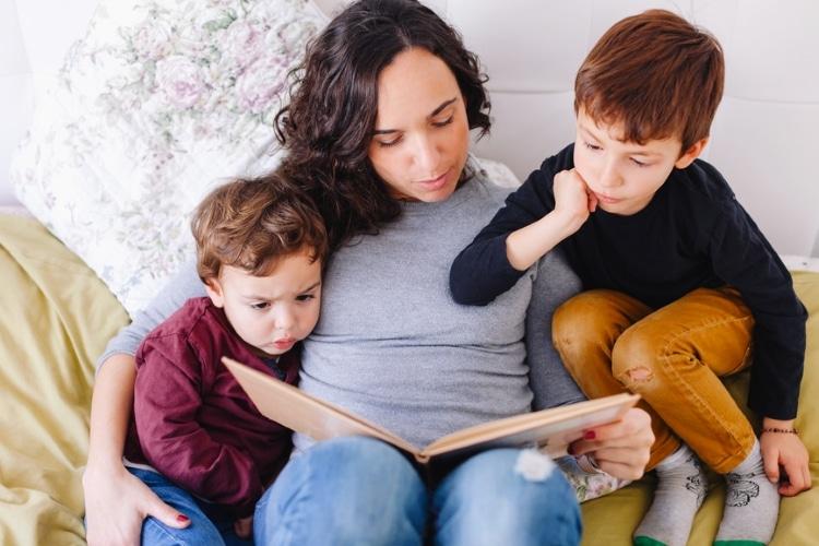 عادت به خواندن کتاب در بچه ها