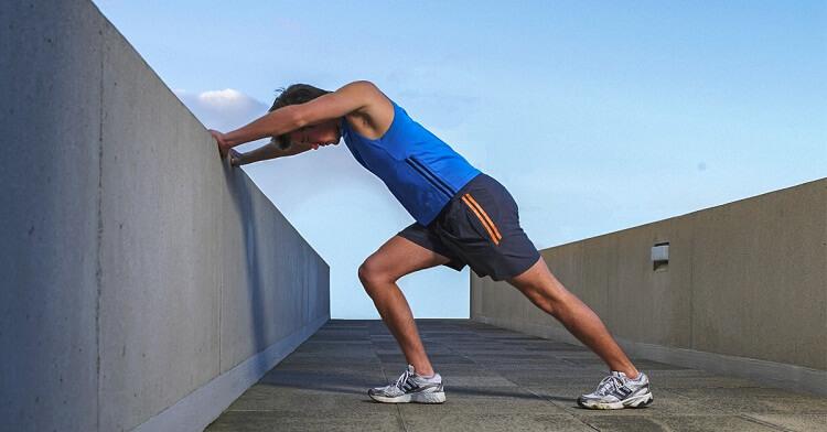 ورزش کردن و حرکت دادن مفصل زانو