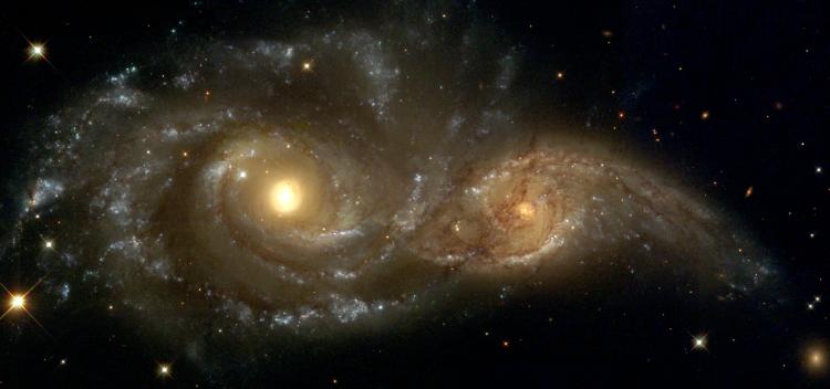 ادغام کهکشان ها