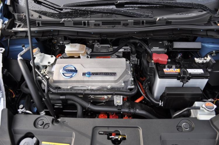 تعمیر و نگهداری خودروی الکتریکی
