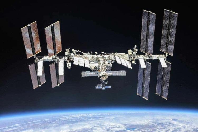 ناسا تولید محصولات تجاری در فضا