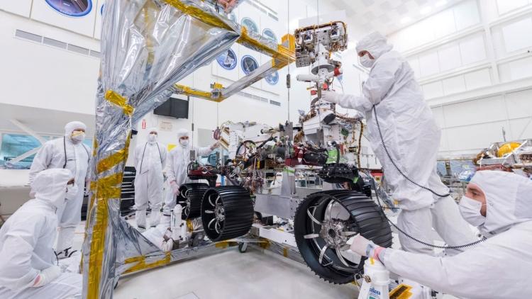 نصب چرخ های Mars 2020
