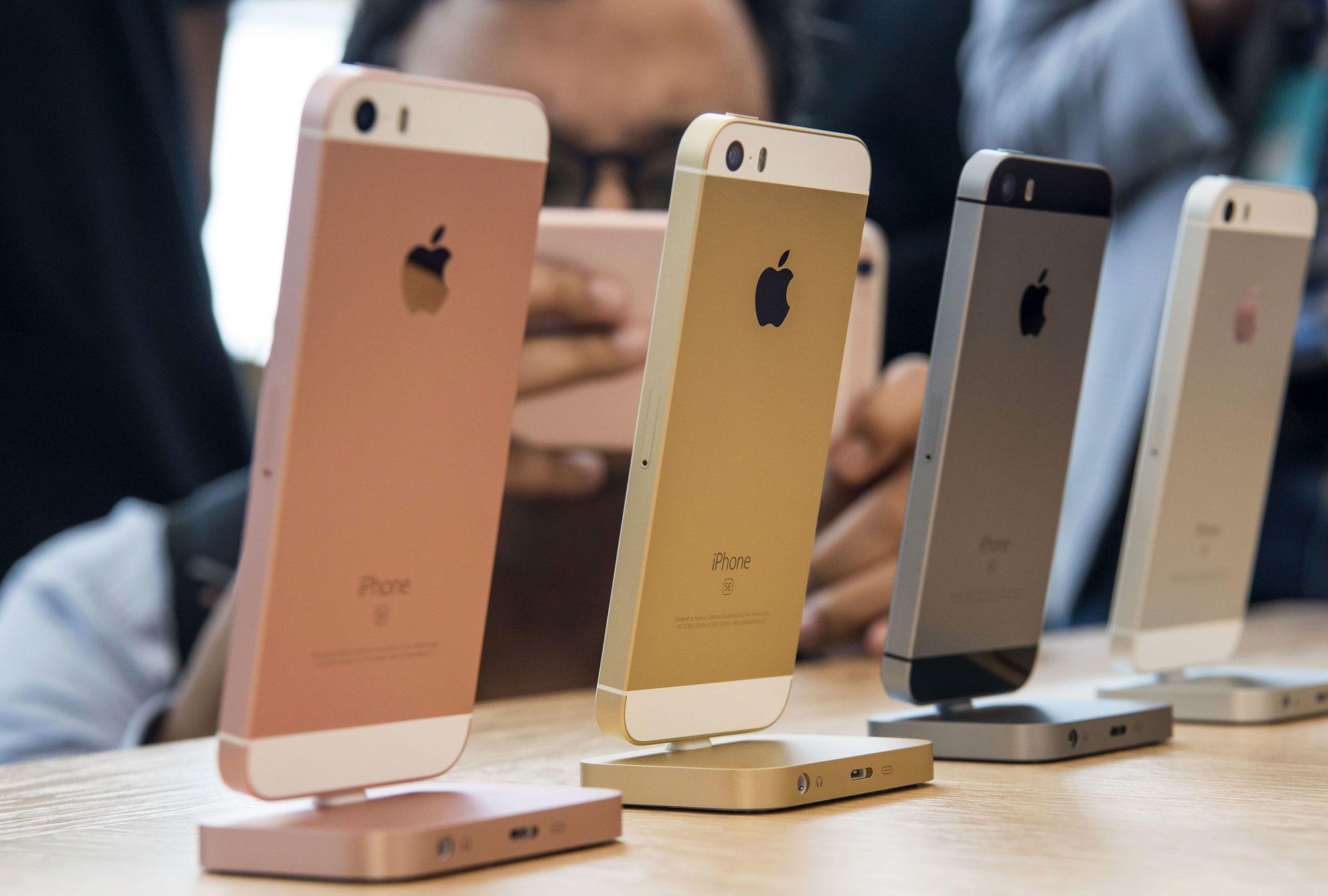 اپل در سال 2020 برای افزایش فروش چهار گوشی وارد بازار میکند