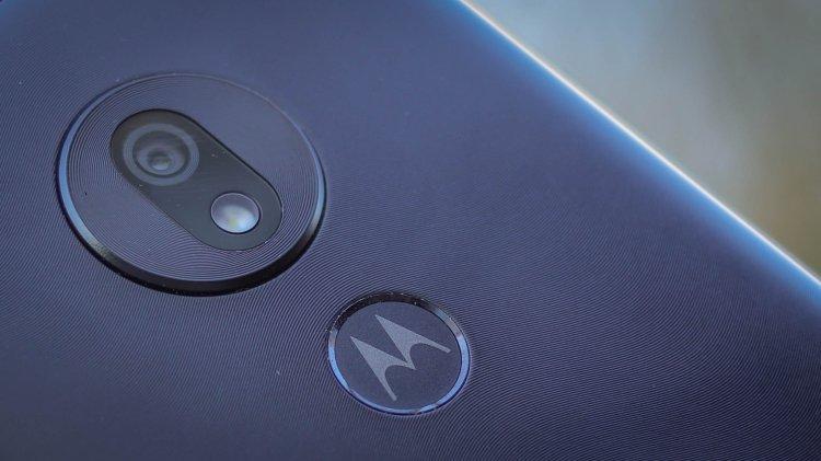 گوشی Motorola One Zoom 1