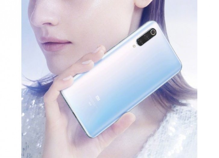 تصاویر رسمی گوشی Mi 9 Pro 5G شیائومی رنگ سفید آن را به رخ میکشند
