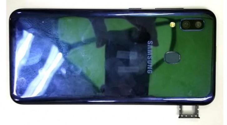 مشخصات گوشی گلکسی M10s سامسونگ لو رفت؛ باتری 4000 میلیآمپر ساعت و نمایشگر 6.4 اینچی