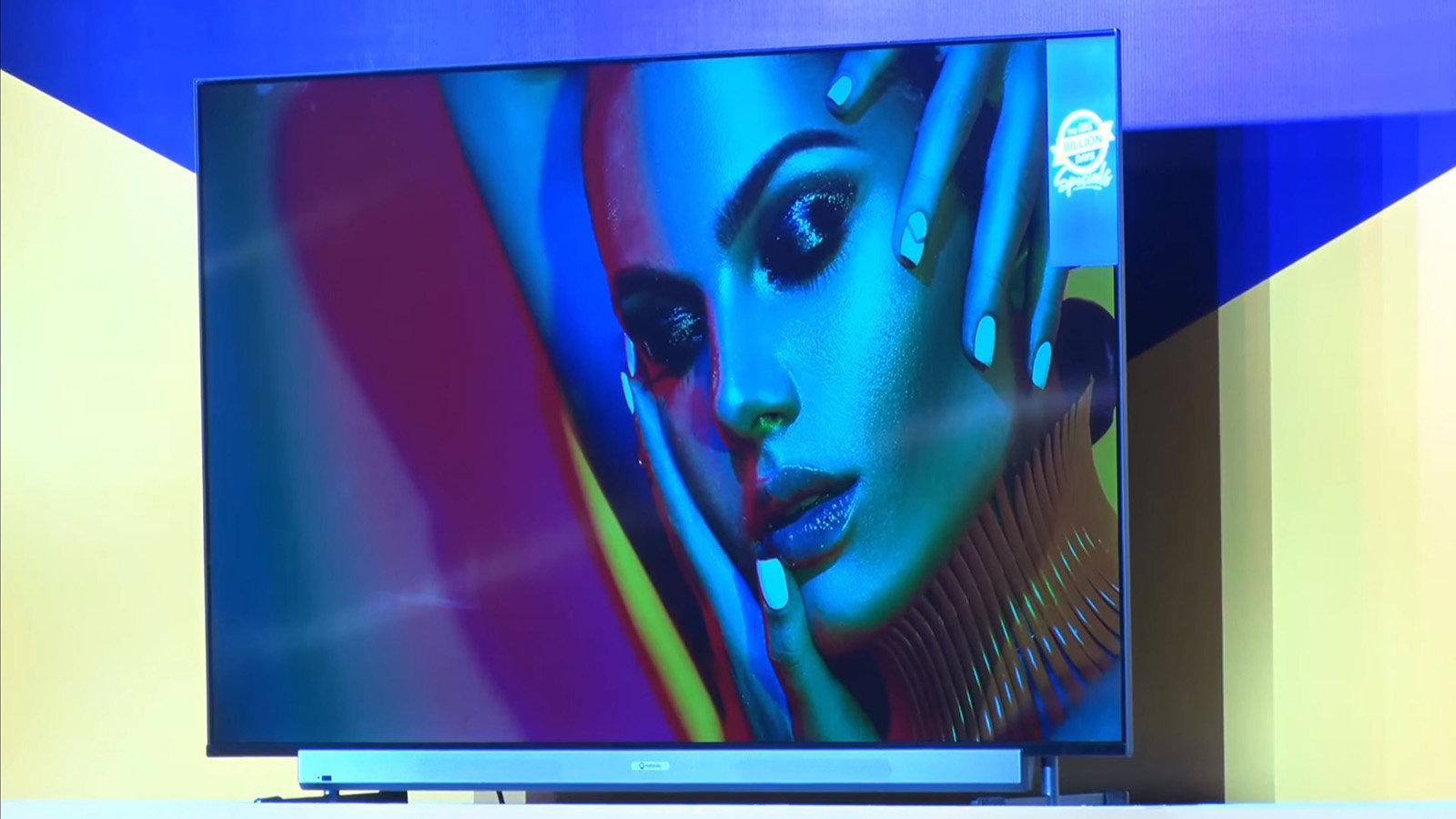 موتورولا نیز با ساخت Motorola TV به شرکتهای سازنده تلویزیونهای هوشمند ملحق میشود