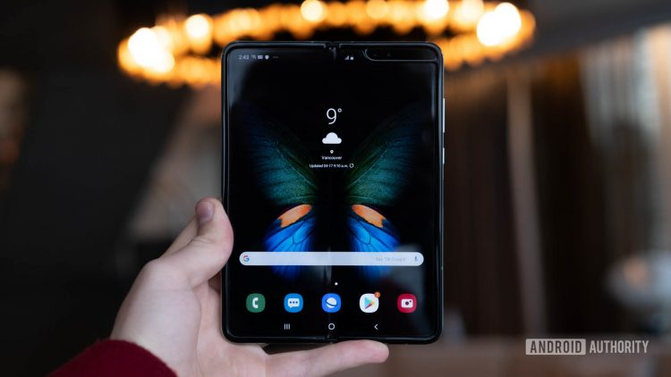 Samsung Galaxy Fold tablet mode in hand