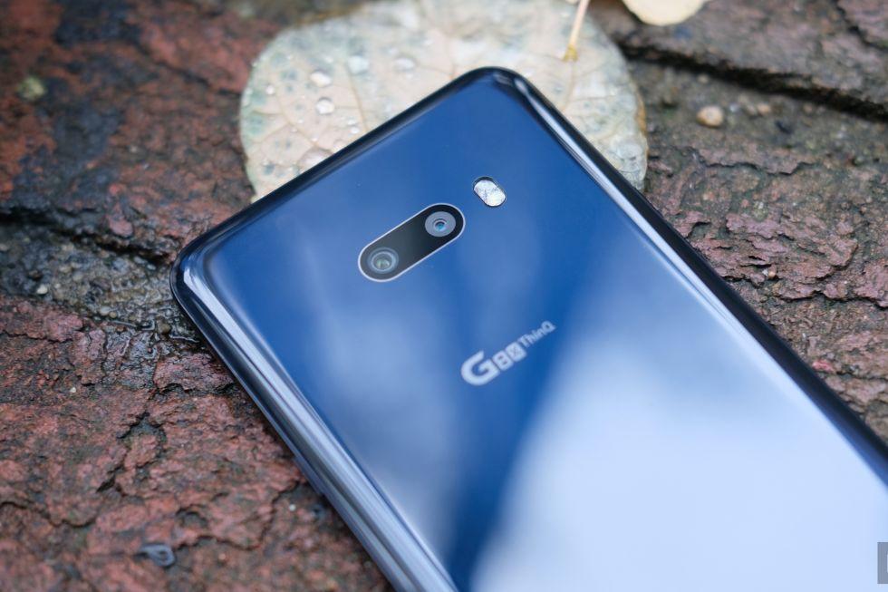 بررسی و نقد گوشی LG G8X ThinQ: تعداد نمایشگر بیشتر همیشه بهتر نیست
