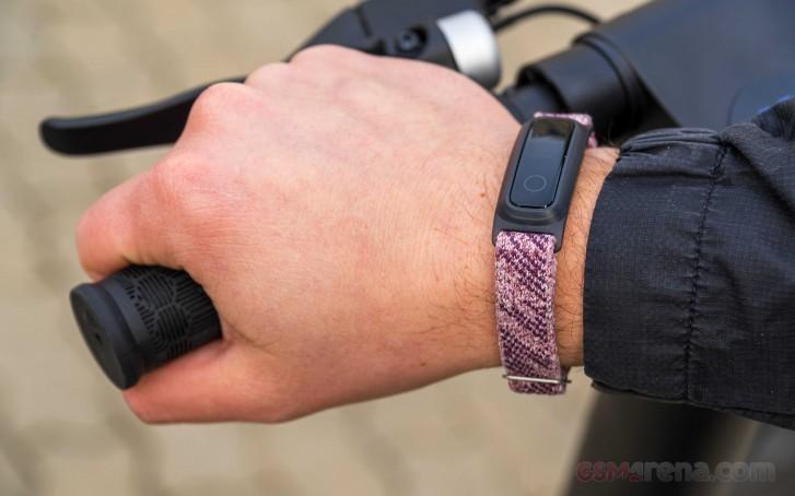 بررسی و نقد دستبند Honor Band 5 Sport