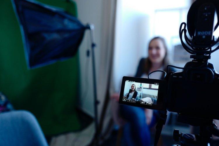 تکنیکهای استفاده از ویدئو برای بالا بردن کیفیت تجربه مشتری