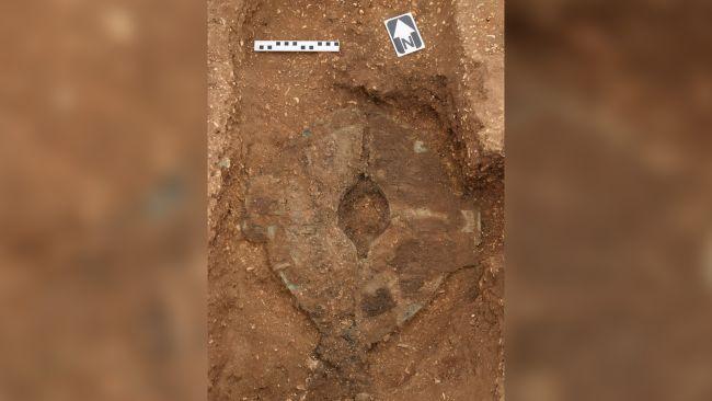 روکیدا | گور خیرهکننده یک جنگجو به طور کامل، همراه با ارابه و دو اسب، در انگلستان کشف شد | باستان شناسی, تاریخ