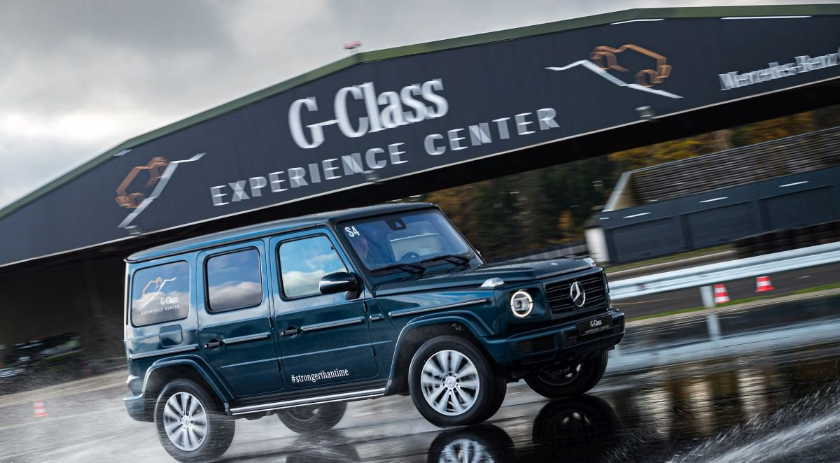 Mercedes-Benz will build an electric G-Class SUV soon to reach its goals