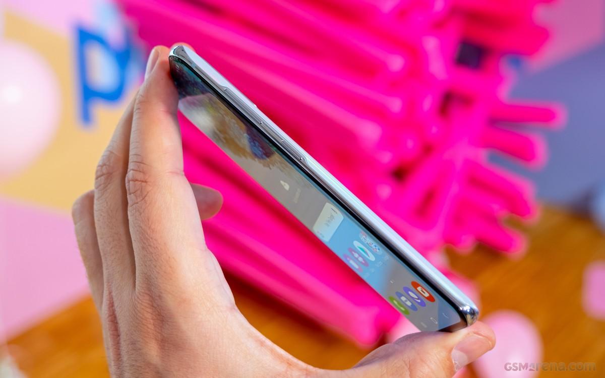 روکیدا - بررسی دو گوشی گلکسی اس 20 و اس 20 پلاس سامسونگ - سامسونگ گلکسی S, نقد و بررسی, نقد و بررسی گوشی موبایل, گلکسی اس 20, گلکسی اس 20 پلاس, گوشی های هوشمند, گوشی هوشمند