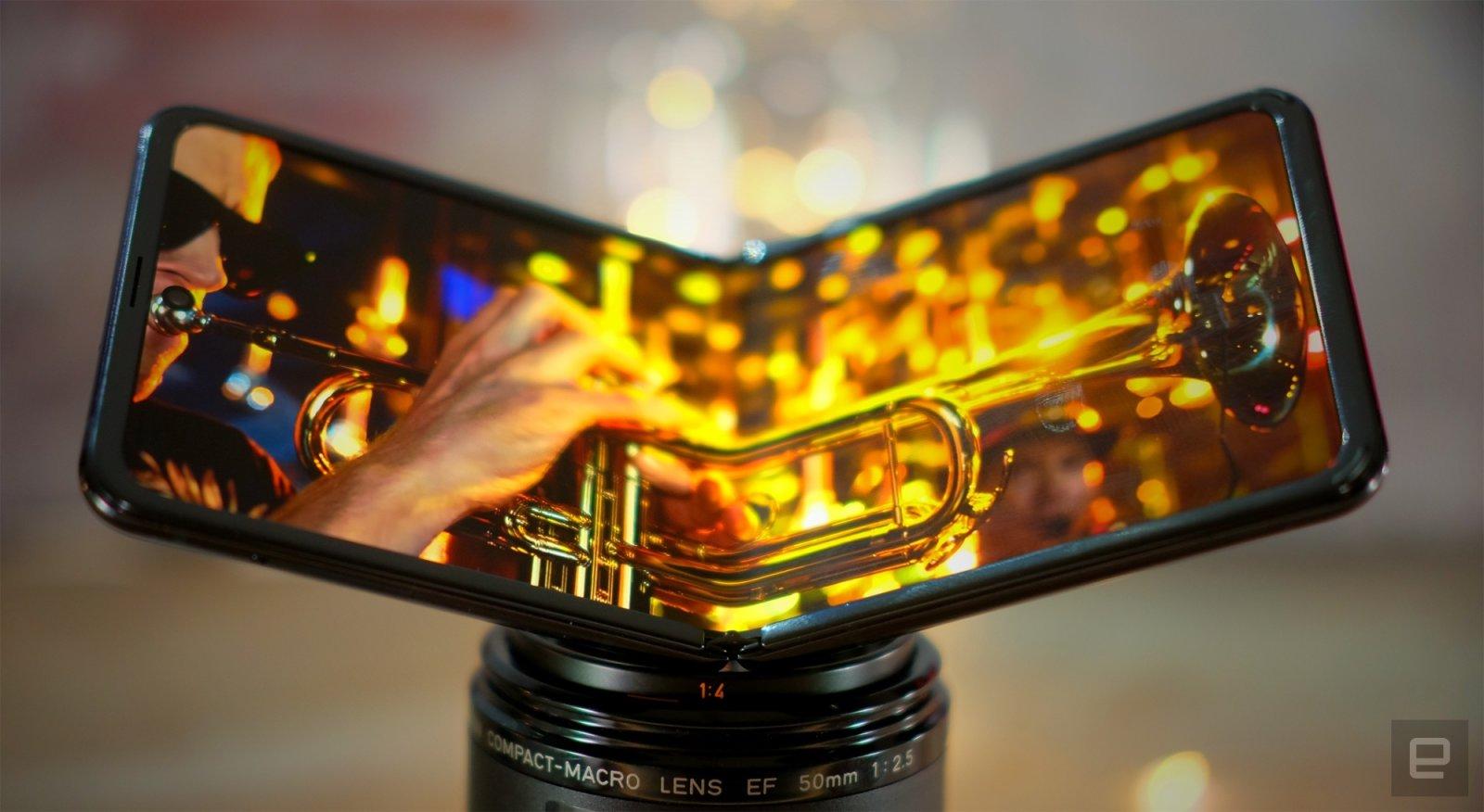 آیا آینده متعلق به گوشیهای تاشو است؟ بررسی ترند جدید دنیای گوشیهای هوشمند