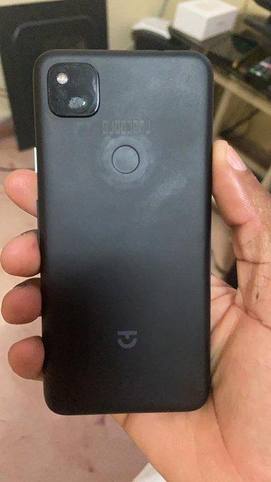 جدید گوشی Pixel 4a یک دستگاه ساده و ارزان را نشان میدهد 2