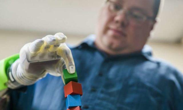 دستاورد جدید دانشمندان فناوری پروتز عصبی چه کمک بزرگی به بیماران قطع عضو میکند؟
