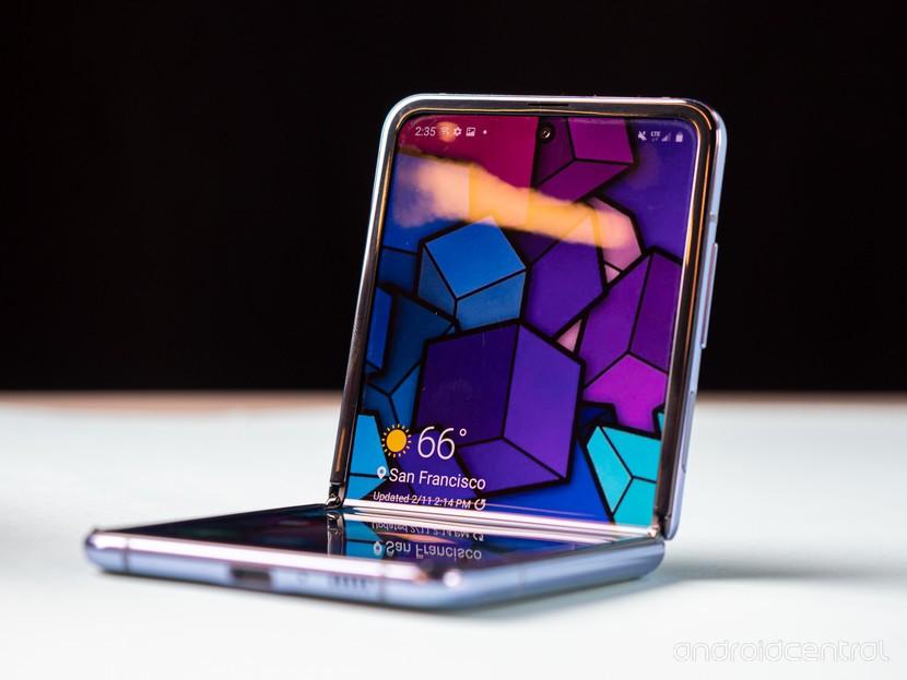 5 دلیل برای این که گوشی بعدی شما نباید تاشو باشد