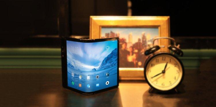 دومین نسل اولین گوشی تاشو جهان در راه است 1