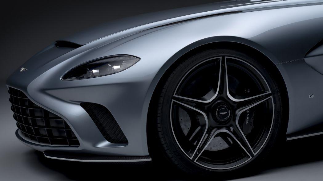 Aston Martin V12 Speedster 15