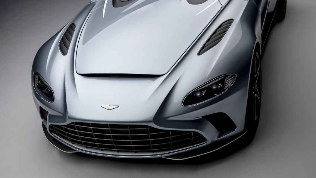 Aston Martin V12 Speedster 17