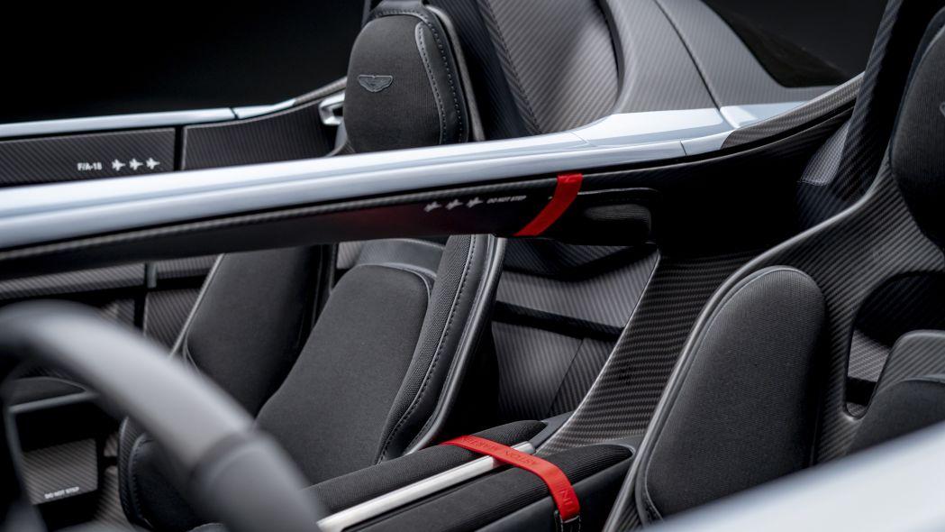 Aston Martin V12 Speedster 18