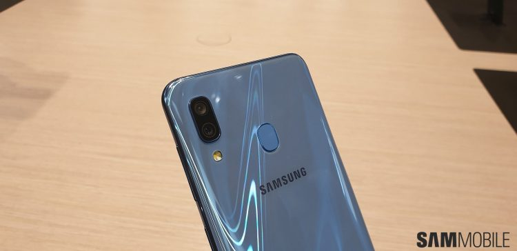 Galaxy A30 A50 hands on 12