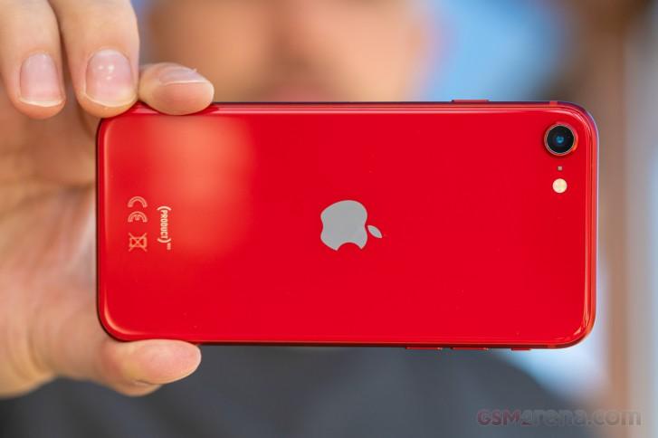 روکیدا - بررسی کامل و تخصصی گوشی آیفون SE 2020: روح تازه در یک کالبد قدیمی - نقد و بررسی گوشی موبایل, گوشی iPhone SE 2020, گوشی آیفون SE, گوشی آیفون SE 2020, گوشی آیفون SE 2020 اپل, گوشی های هوشمند, گوشی هوشمند