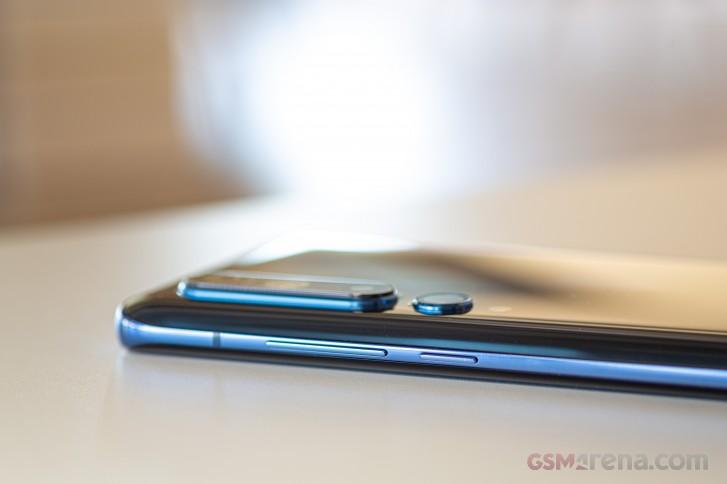 بررسی کامل و تخصصی گوشی Mi 10 شیائومی: تک سواره نظام خوشتیپ