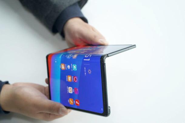 روکیدا - بهترین گوشی های تاشو 2020: با آینده آشنا شوید - بهترین گوشی های تاشو, بهترین گوشی های تاشو 2020, گوشی تاشو, گوشی های تاشو