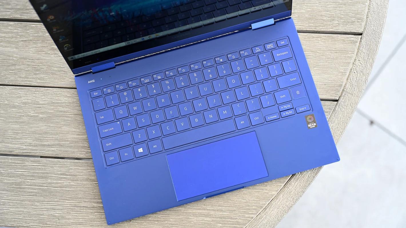 روکیدا - نقد و بررسی گلکسی بوک فلکس: بهترین لپ تاپ سامسونگ - سامسونگ, لپ تاپ, نقد و بررسی گوشی موبایل, گلکسی