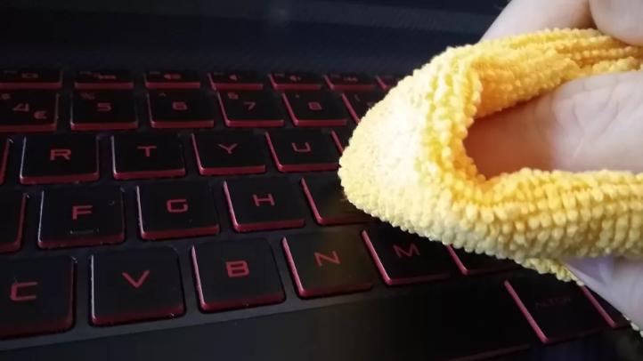 روکیدا | بهترین روش برای تمیز کردن لپ تاپ | اطلاعات عمومی, لپ تاپ