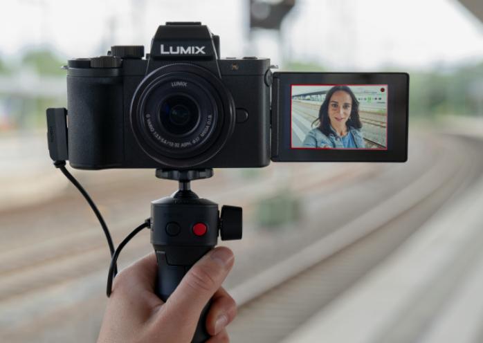 دوربین اقتصادی G100 پاناسونیک چه قابلیت هایی دارد؟